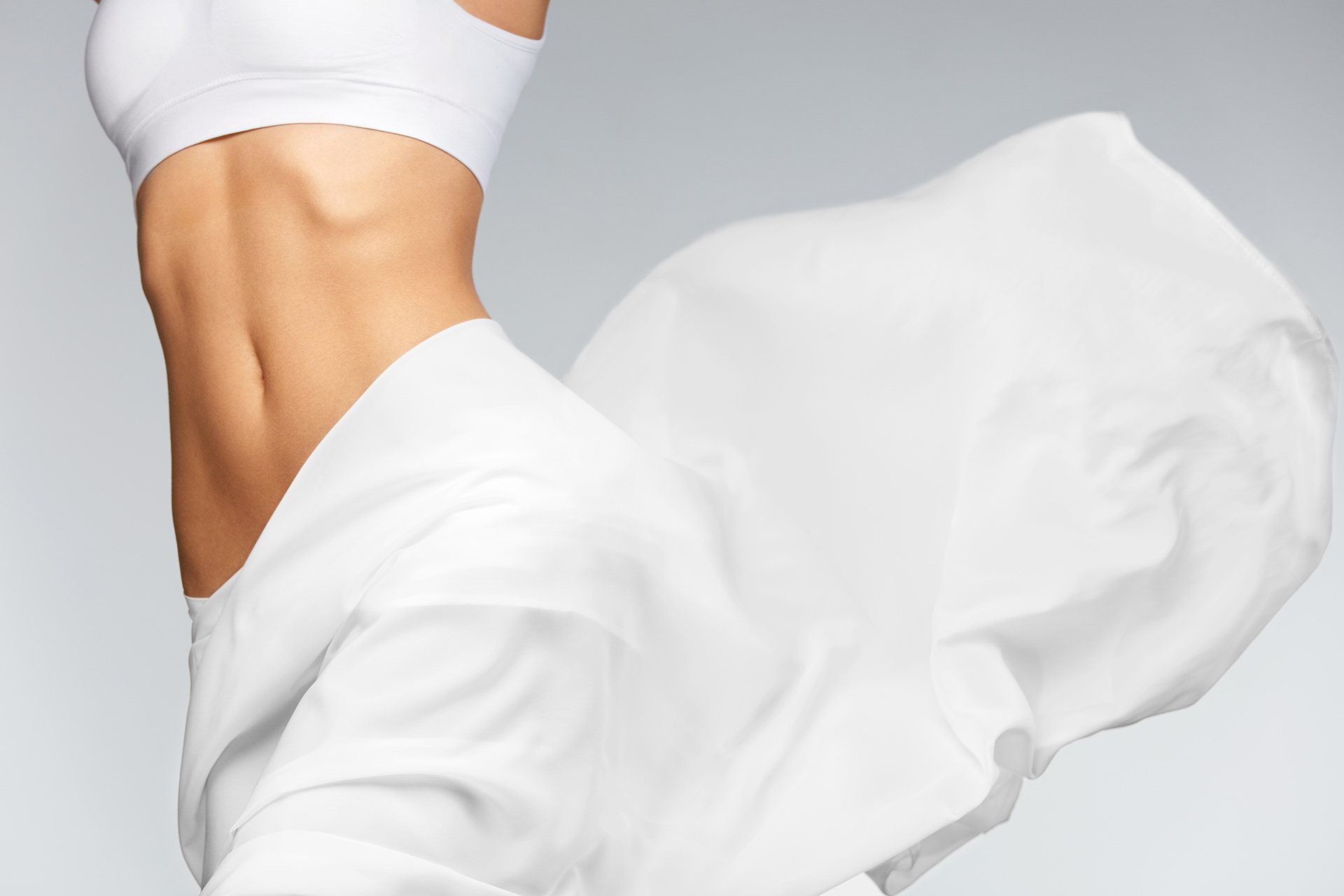 Woman Coolsculpting thighs